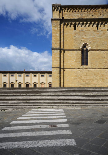 scenic view of historic center of Arezzo town Architecture Building Exterior Cloud - Sky History The Past Sunlight Outdoors Place Of Worship Courtyard  Shadow Ancient Street Pedestrian Crossing Sign Urban Landscape EyeEmNewHere EyeEm Best Edits Religion Sky Built Structure Arezzo Tuscany