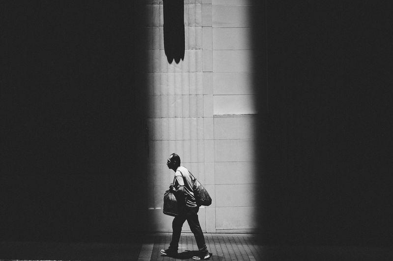 Strong shoulder EyeEm Best Shots - Black + White Blackandwhite Photography Blackandwhite Black And White Black & White Monochrome Monochromatic EyeEm Best Shots EyeEmBestPics Anythingbutbeautiful Streetphotography Street Photography Streetphoto_bw City Life Light And Shadow Shadows & Lights