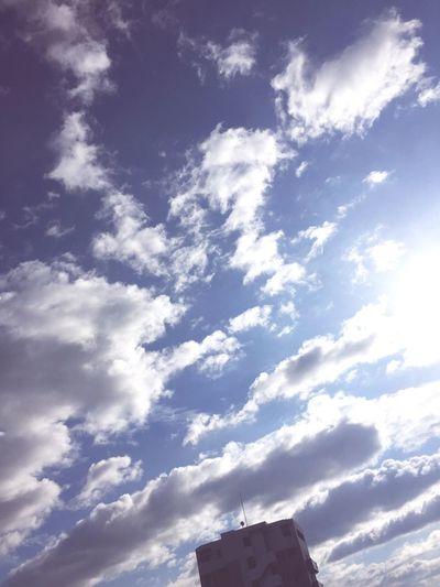 夏の空 雲 熱帯夜
