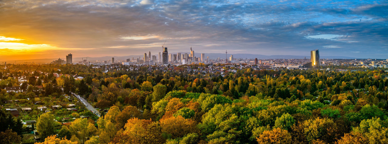 Huge panorame over the whole frankfurt area. Taken on a autumn day right before sunset Atumn Colors Autumn Cityscape Frankfurt Frankfurt City  Frankfurt Skyline Frankfurt Am Main Frankfurt's Life Panorama Panoramashot Skyline Frankfurt Sunset Silhouettes Sunset_collection Areal View Atumn Photograhy Cityscape Photography Cityscapes Cityscapes_collection Frankfurtlovers Panorama View Rhein Main Sunset Sunset Sky Sunset Skyline Urban Skyline