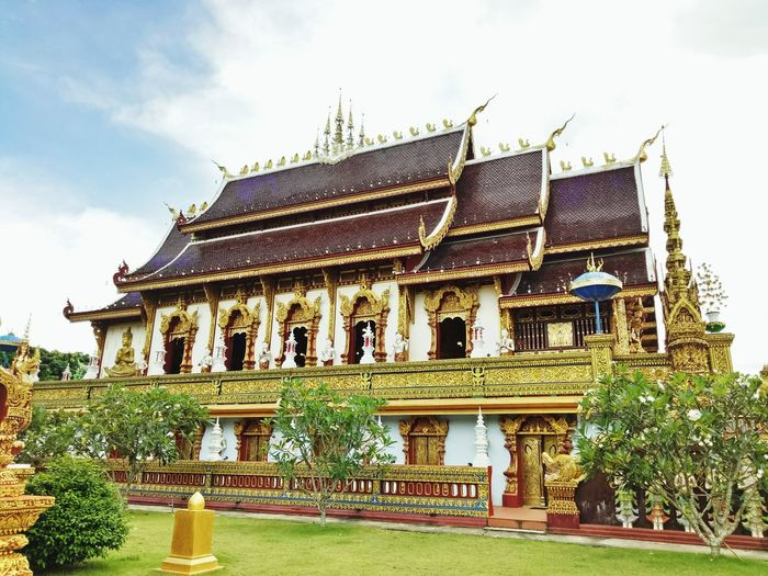 Temple in Chiang Rai Place Of Worship Tree Religion History Sky Architecture Building Exterior Built Structure Grass Buddha Temple