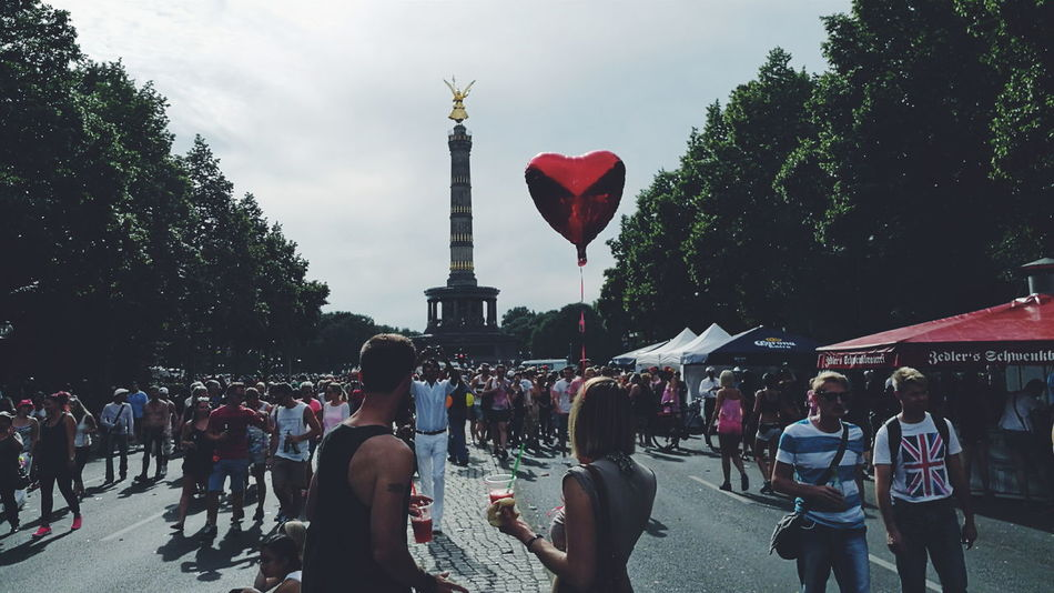 People Watching Demonstration Party Enjoying Life Party Time Taking Photos Street Photography Gay Pride HuaweiP9 Eye4photography  Mobilephotography CSD Berlin 2016 Streetphoto Costume Streetphotography Streetphoto_color Partytime Vscocam VSCO Balloon Love Showcase July People And Places Battle Of The Cities TakeoverContrast Capture Berlin The Street Photographer - 2017 EyeEm Awards The Photojournalist - 2017 EyeEm Awards