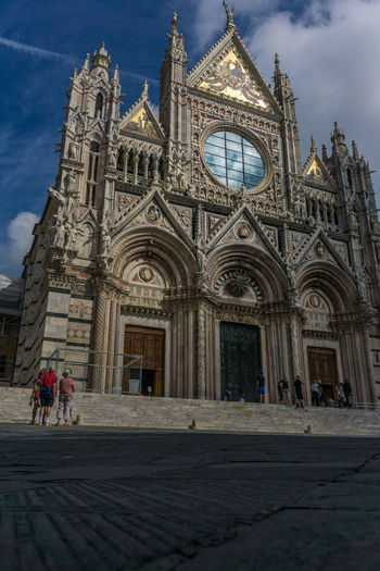Church City Ciudad Dom Duomo Eglise Italia Italie Italien Italy 🇮🇹 Kirche Sacral Architecture Toscana Worship Architecture Building Exterior Built Structure Chiesa Cite Citta Cloud - Sky Day History Iglesia Italy Italy❤️ Italy🇮🇹 Men Outdoors People Place Of Worship Real People Religion Sacral Sculpture Siena Sky Spirituality Travel Travel Destinations Women ıtaly
