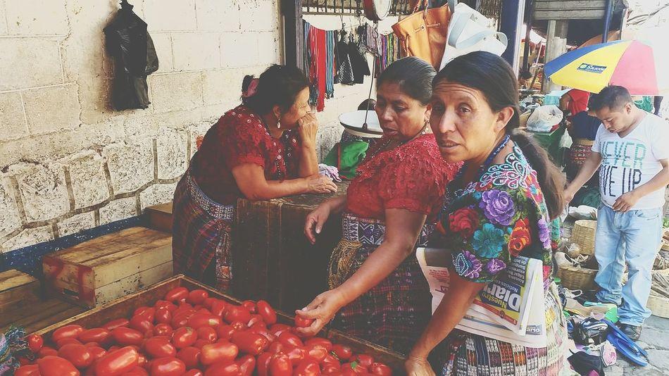 Lago Atitlán San Pedro, Laguna Tomatoes Women