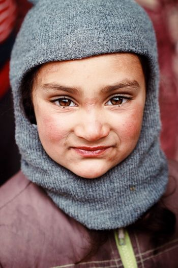 The Portraitist - 2017 EyeEm Awards Knit Hat Warm Clothing Winter One Person Real People Cold Temperature Hood - Clothing Portrait Close-up Headshot Front View Hooded Shirt Scarf Looking At Camera Human Face Smiling Outdoors Day Young Adult Adult