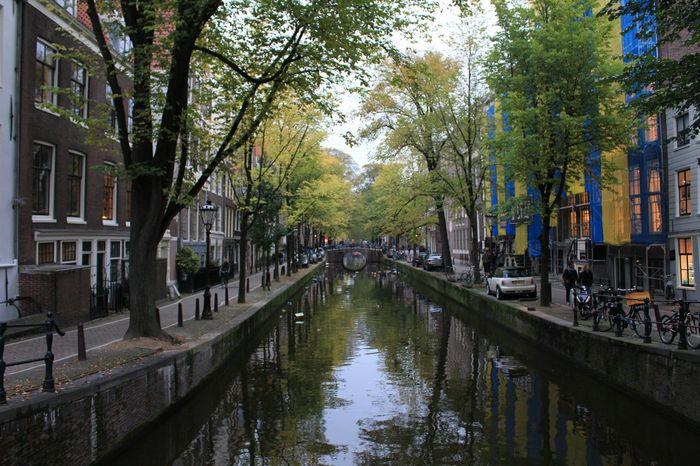 Capture The Moment Canal Amsterdam Amsterdamcity Amsterdam Canal Amsterdamse Grachten Boat Fall Fall Beauty Fallbeauty Taking Photos Streetphotography Relaxing Enjoying Life
