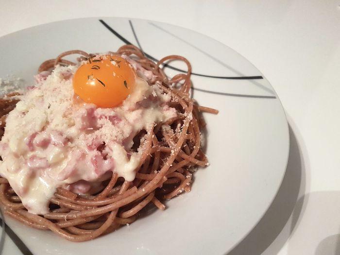 yummy Spaghetti Spaghettis Carbonara Spaghetti Carbonara Italian Food EyeEm Selects Egg Yolk Anise Egg Close-up Food And Drink Pastry Focus On The Story