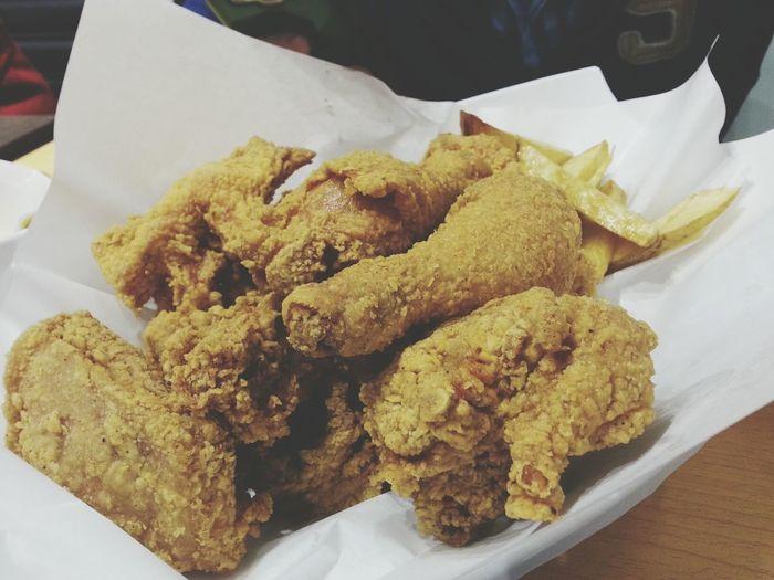 어제도 치킨...좀 별로네......