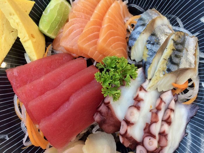 Close-up Food Food And Drink Freshness Seafood Healthy Eating Japanese Food Indoors  Sushi Wellbeing Asian Food Rice Salmon - Seafood Fish Sashimi  Raw Food Plate No People