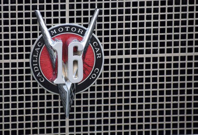Automobile Cadillac Car Classic Classic Car Emblem  Grill Grill Marks Logo V16