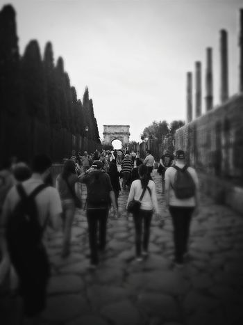 Oneway Tourism Site Seeing Smartphone Photography Travel Photography Rome Rom Roma Travel Destinations Traveling Blackandwhite Black And White Blackandwhite Photography Tourist People City The Street Photographer - 2017 EyeEm Awards