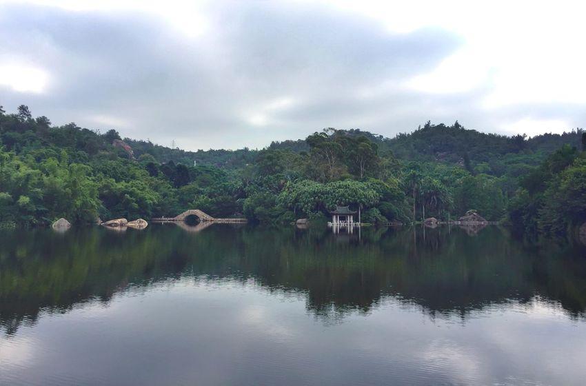 还是这里😂 EyeEm Nature Lover Taking Photos IPhoneography Iphoneonly Eye4photography  Relaxing Reflection Water Reflections Sky Lake