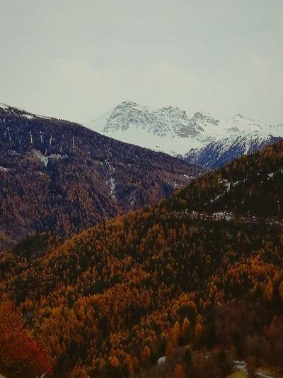Automne mon amour. Mountain Landscape Beauty In Nature Cloud - Sky Outdoors Nature Mountain Peak