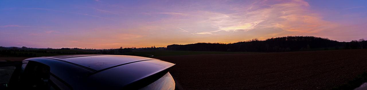 Horizon Lila Wolken. Panorama Sky