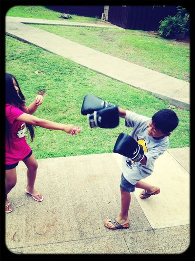 Look at the cousins goin at it lol merry Christmas