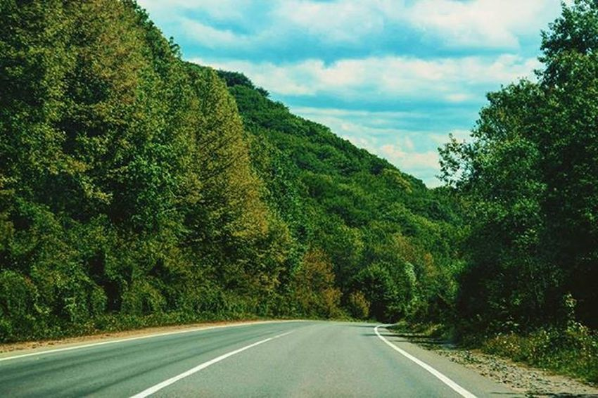 Road Tree Road Marking Landscape Sky Country Road Mountain Nature Green Color Vscogood VSCO Vscocam Vscogram No People Day Beauty In Nature Green Color Nature Traveling Traveltime Carpathians Carpathian Nature