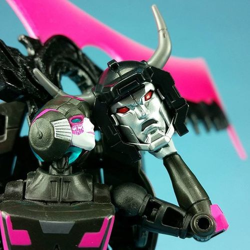 666 - The number of the beast. Transformers Arcee Menasor