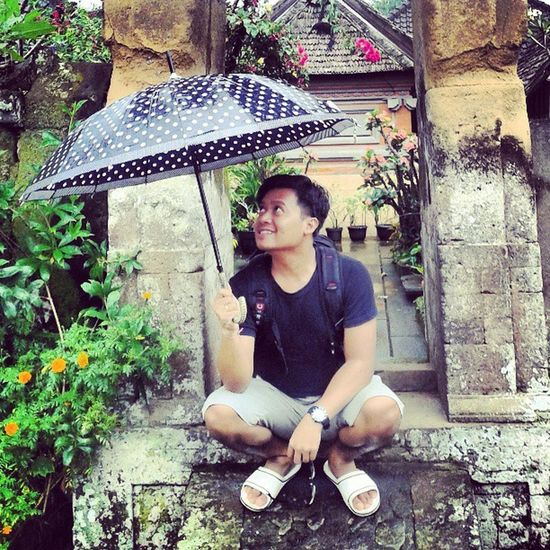 Sedia Payung Sebelum Hujan.. Rain Umbrella Black Cool Gotcha Lol Vacation Holiday Work Balinese Traditional Cultural InstaPlace InstaPict InstaWork Instagram InstaMedia PhotoOfTheDay PhotoDaily FollowMe ForLikes Likes likeforlike Igers AndroIndonesia Andrography AndroPhone