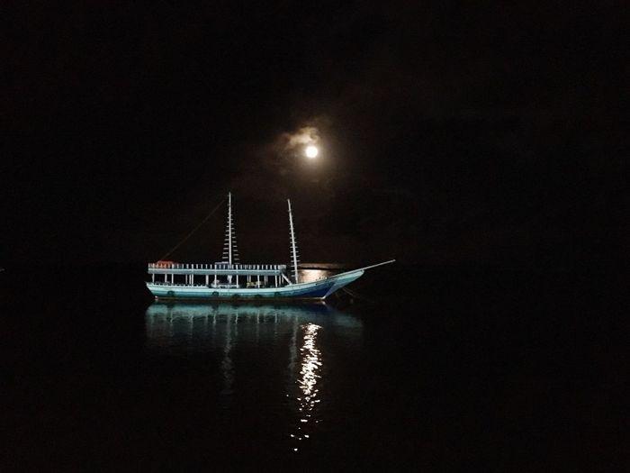 IPhoneography EyeEmNewHere Nightphotography Brazil Bahia Nautical Vessel Water Transportation Mode Of Transportation Night Sea Reflection No People Sailboat Illuminated Travel Ship Travel Destinations Moonlight Reflection Passenger Ship EyeEmNewHere