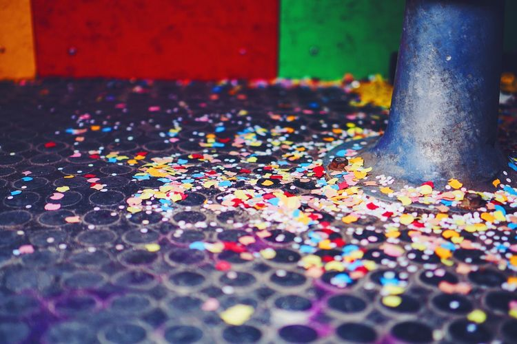 Confetti Rain Confetti Colors VSCO Getting Inspired Real Photography Colorsplash Colorful No People Still Life 24hLilienthalBerlin Lilienthal Berlin Bokehlicious Photobooth My Fuckin Berlin Enjoying Life Beauty In Ordinary Things Real Life Berlin Streetphotography Photoautomat