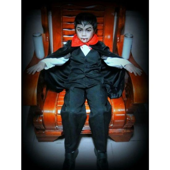 little BarnabasCollins blah blah blah 🎃👻🎉💉😁😚😍❤💜 Sweetdude Chromezildjian Zildee Halloween Cute Happy Spooky Creepy BLOODY Vampire Instalove Ig Smile 😁😘