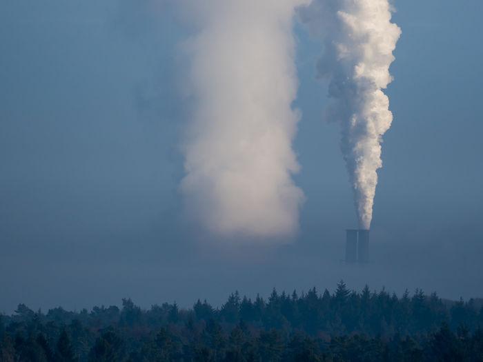 Hamburg Moorburg Kraftwerk Nebel Nebelmeer Day Factory Industry Koh Kohlekraftwerk Moorburg Nature No People Outdoors Sky Smoke - Physical Structure Tree