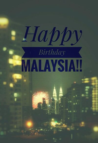 Happy Birthday Malaysia.. Happy Birthday Malaysia Hello World First Eyeem Photo Colour Of Life Photography KLCC Twin Towers Zikayzander 31Aug City Life Original Portrait Taking Photos
