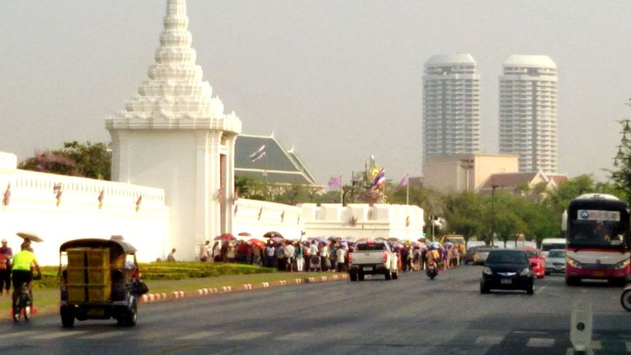 Chinisetourist, wait fo go to inside The Gran Palae. Taking Photos Walking Around Thailand_allshots Clounds And Sky