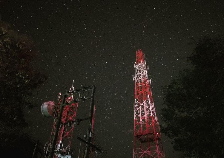 Telecommunication towers at night under the stars. Telecom TelecommunicationTower 4g 3g Gsm Star Milky Way Nightphotography Night Romantic Light City Village Telephones Phone Phonegrapher Mobile Phone Photography
