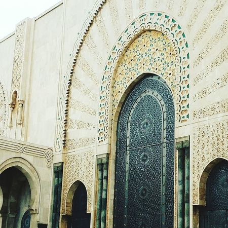 Mosquée Building Exterior History Built Structure Architecture Arch Place Of Worship Low Angle View Travel Destinations No People Day Outdoors Sky
