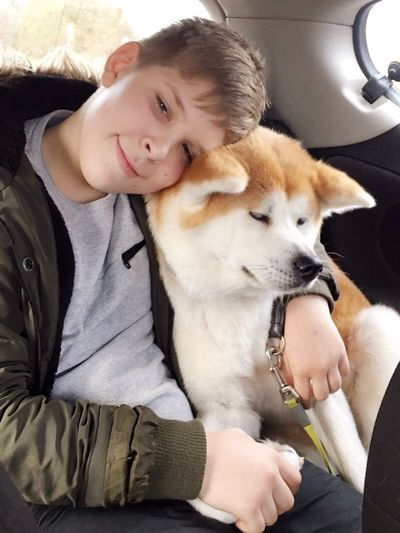 Akita Kid Pet Dog Family Animal Themes Son Boy Love Junge Akita-inu Akitainu