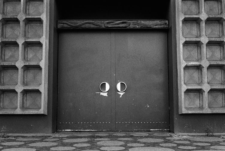 A random doorway in Berlin Traveling Travel Film Streetphotography Blackandwhite
