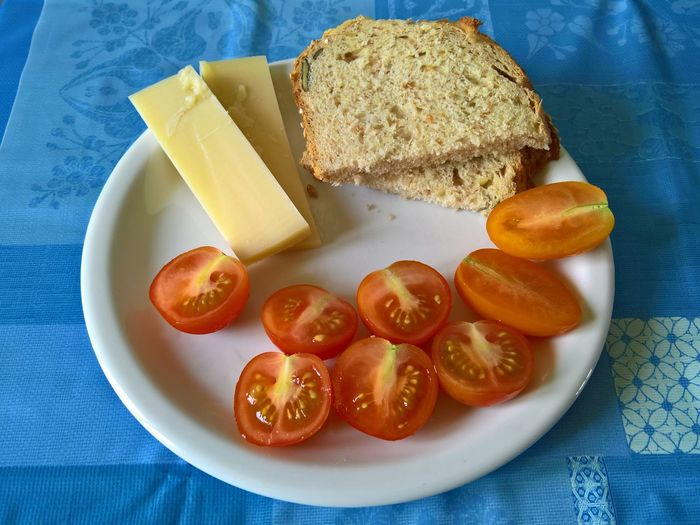 Cheese! Bread Close-up Food Food And Drink Freshness Healthy Eating Indoors  Plate Ready-to-eat Serving Size SLICE Table Tomato Tomatoes