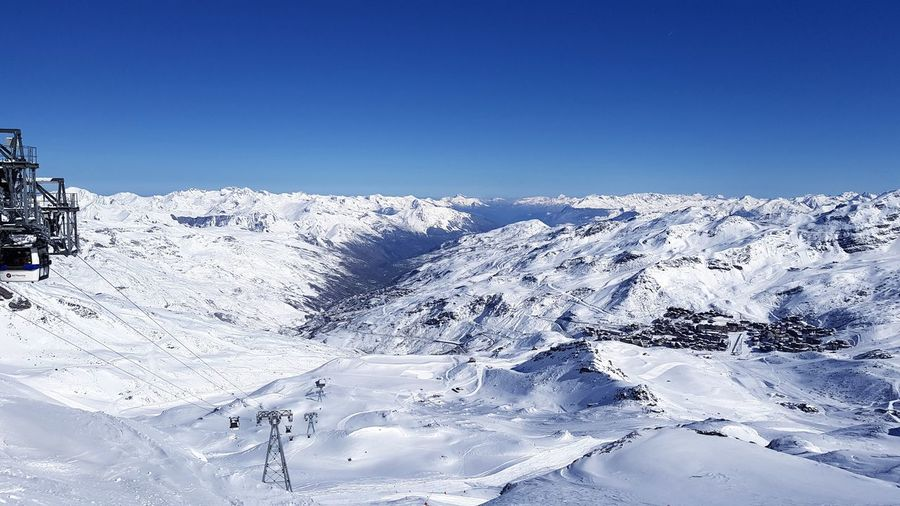 Snow Winter Scenics Cold Temperature Mountain Landscape Beauty In Nature Snowcapped Mountain Mountain Range Travel Destinations Clear Sky Ski Holiday Taking Photos Taking Pictures Eye4photography  Winter Sport Alps France France 🇫🇷 Vacations Ski Lift Alps Powder Snow Freshness Frozen Beauty In Nature