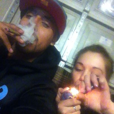 Blunt Session @juicyyjayylynn Smoking Buddy highlifedadcitycalilifestylesocalblowingtreez
