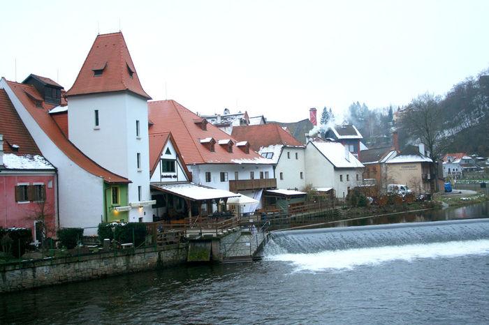 чехия чешский крумлов дома река