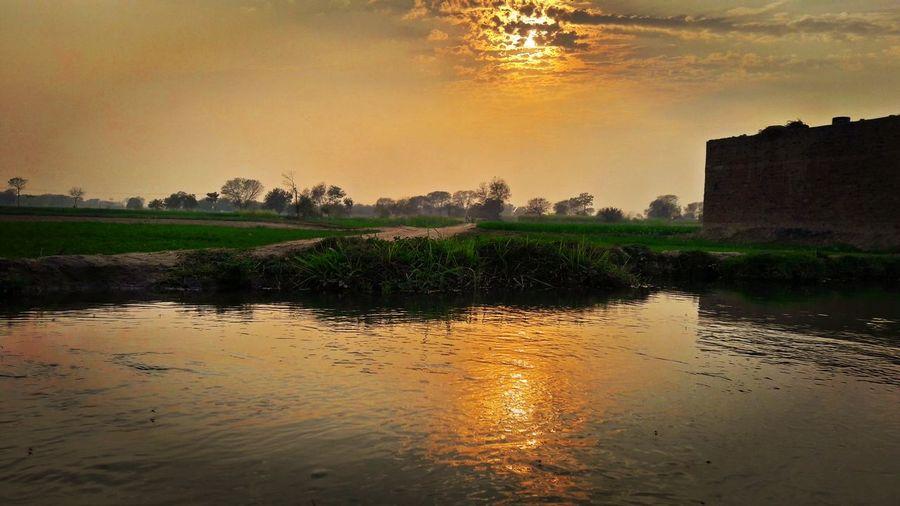 Sunset Sunset_collection Water Reflections Mobilephotography SamsungJ7 EyeEm Best Shots InPakistan Eyeem Pakistan Pakistanphotochallenge Beautiful Nature Mobile Click