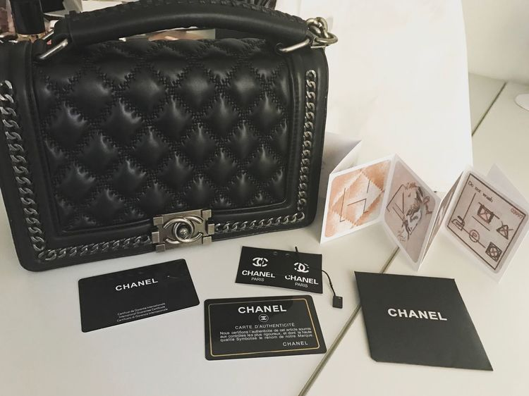 Beauty Begins The Moment You Decide To Be Yourself Chanel Chanelbag Inlove 😍