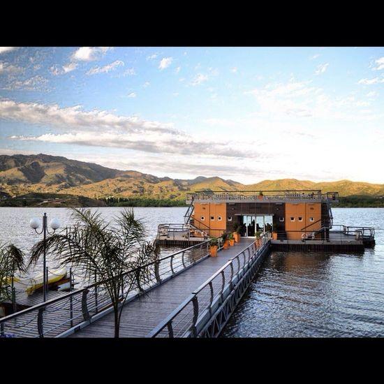 Muelle En Lago Potrero De Los Funes