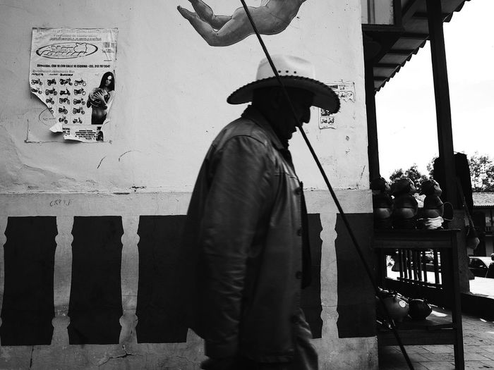 Life_is_street Bnw Monochrome EyEmNewHere Streetphotography Street Photography Colombia South America Men One Person Real People Lifestyles Day Casual Clothing Leisure Activity Street The Street Photographer - 2018 EyeEm Awards The Street Photographer - 2018 EyeEm Awards
