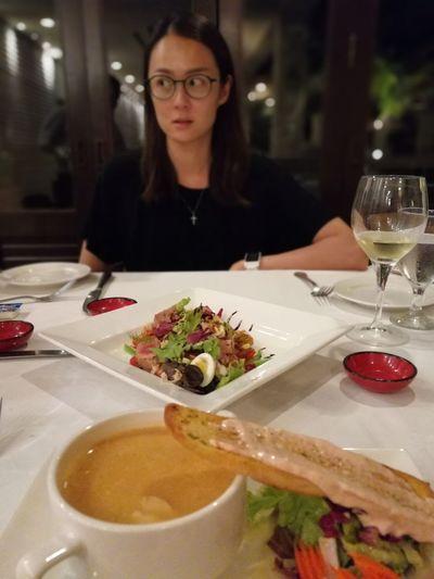 Travel Showcase April People Dinner