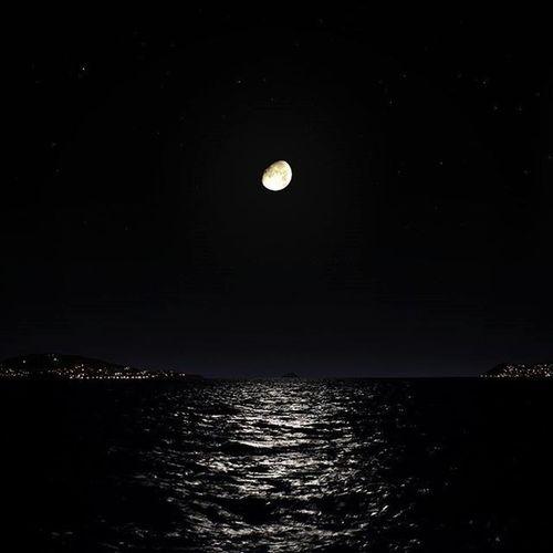 Nightview Istanbul Dragos Marmara Moon Stars Clearsky Night Luna Igturkey Instago Instagood Instamood Turkey Landscape Seaview Moonlight
