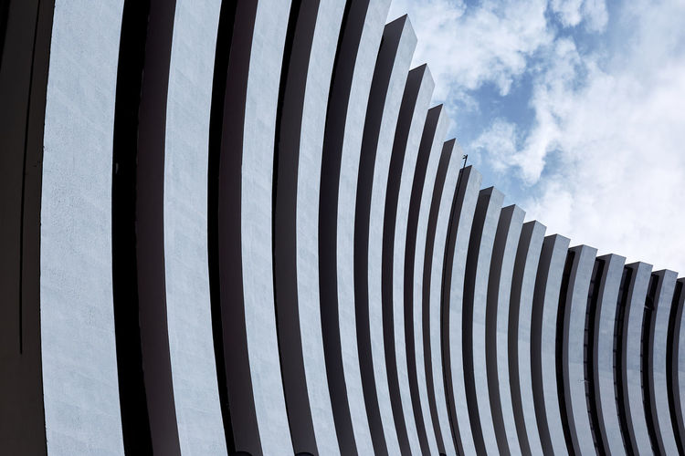 El muro Architecture Building Exterior Built Structure Side By Side Striped Building Repetition Abstract Abstract Photography In A Row Modern Cloud - Sky Sky Pattern