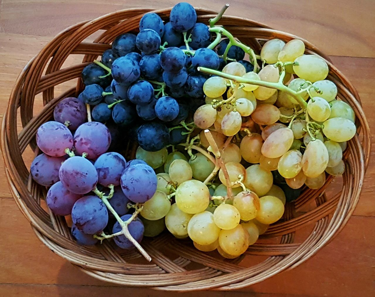 basket, food and drink, food, healthy eating, fruit, grape, freshness, high angle view, no people, table, indoors, day, close-up