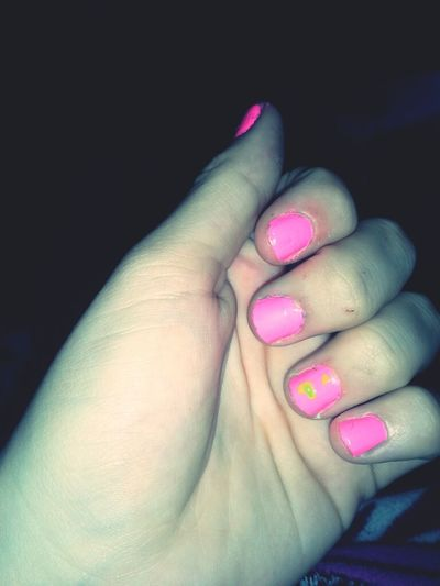 painted my nails thoee <3