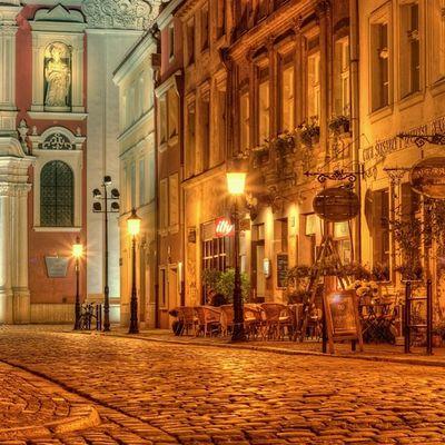 Poznań wart poznania Pozna ń Poland Night Oldcity