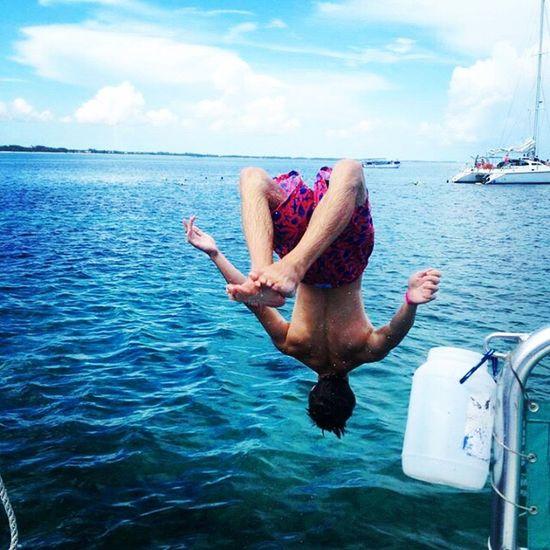 Nassau, Bahamas Bahamas Boy Backflip Ocean Ocean View Ocean Blue Ocean Waves Blue Water Blue Water Blue Sky Nassau Coral Reefs Wave Blue Wave Boats⛵️ Boat Athlete Nassaubahamas