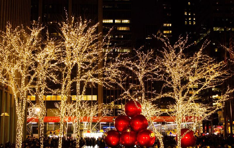 This year I'm dreaming of a white Christmas... But if the white runs out, I'll drink the red. Celebration Night Red Illuminated Exploding Multi Colored Christmas Outdoors No People NYC NYC Photography Holidays