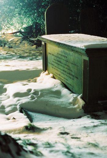 Castleton Derbyshire Graveyard Graveyard Beauty Cemetery Photography Cemetery Death Creepy Night Snow Snow ❄ English Village Parish Church Church