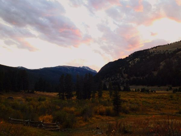 A picturesque fall evening in Montana Montana Exploring Nature Exploring Lovewhereyoulive